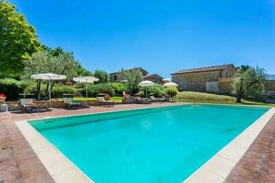 Belle villa à Tavarnelle Val di Pesa avec piscine privée