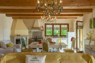 Villa à couper le souffle à Pergola avec piscine privée