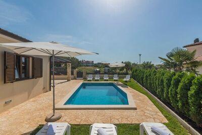 Villa avec piscine privée et jardin idéale pour 12 personnes maximum