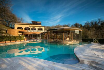 Charmante maison de vacances à Sorano avec piscine