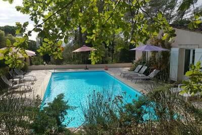 Villa somptueuse à Bagnols-en-Forêt avec piscine
