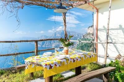 Maison de vacances pittoresque à Praiano avec piscine