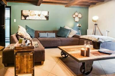 Maison de vacances cosy à intérieur moderne, cosy et chaleureux