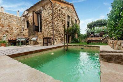 Balmy Villa à Pals avec piscine privée