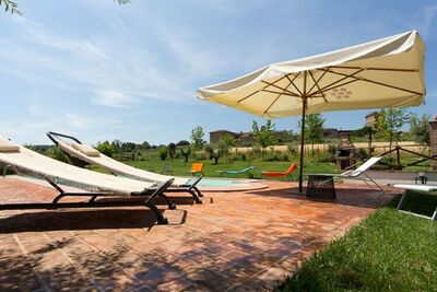 Maison de vacances somptueuse à Marsciano avec piscine