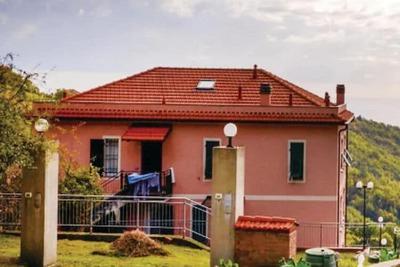 Maison de vacances traditionnelle à Moneglia avec terrasse privée