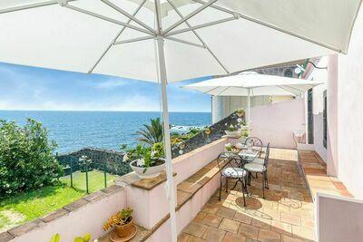 Maison de vacances spacieuse à Santa Tecla Acireale avec jardin