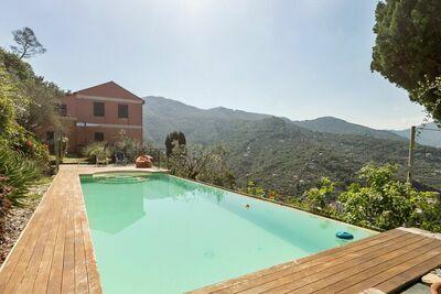Maison de vacances de rêve à Recco avec piscine