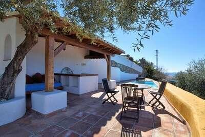 Casa La Zamarra, maison de vacances à côté du parc naturel de la Sierra Tejeda