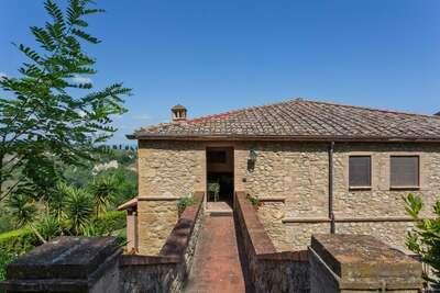 Maison de vacances tranquille à Volterra avec piscine