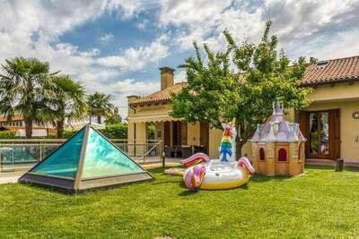 Belle maison de vacances à Zelarino (Venezia) avec piscine