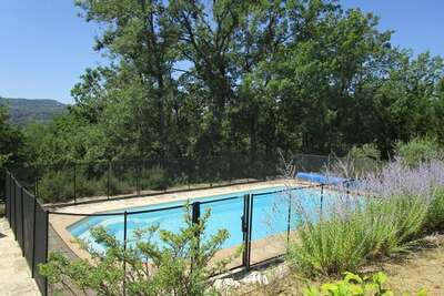 Villa au calme avec piscine privée