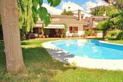 Authentique villa de vacances à Sant Pol de Mar, à 250 mètres de la plage