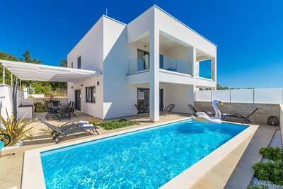 Villa pittoresque à Linardići avec piscine privée