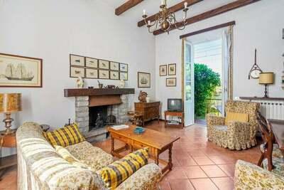 Maison de vacances pittoresque à Meina avec jardin
