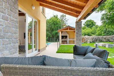 Maison de vacances pittoresque près de Buzet avec terrasse