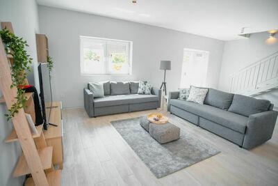 Maison de vacances pittoresque à Lovinac avec terrasse