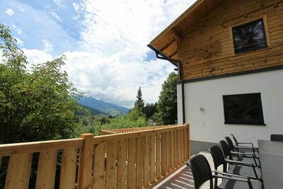 Maison de vacances rénovée avec jardin clôturé près de Zell am See.