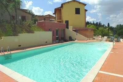 Manoir confortable à Sienne avec piscine
