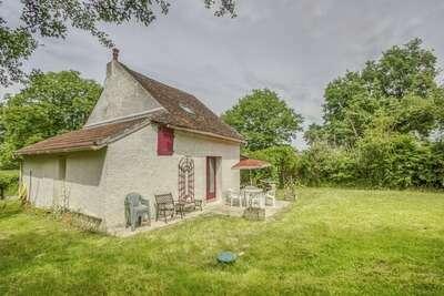 Petite maison de campagne à côté du Canal du Nivernais