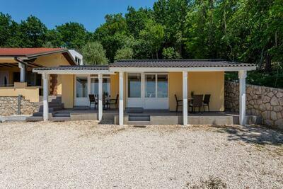 Maison de vacances captivante à Tribanj près de la mer