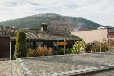 Maison de vacances élégante près de Winterberg avec sauna privatif, terrasse et jardin