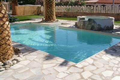 Appartement moderne à Valledoria avec piscine