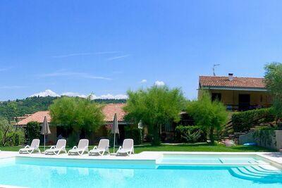 Bel appartement à Garda avec piscine