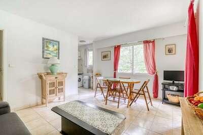 Maison de vacances tranquille à Mougins avec piscine