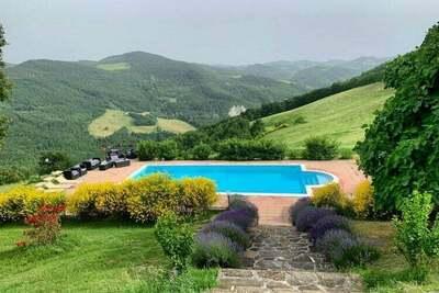Superbe villa avec jacuzzi à Apecchio