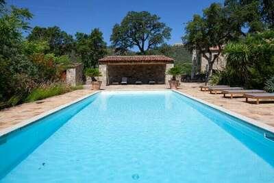 Maison de vacances paisible à Feliceto avec piscine privée