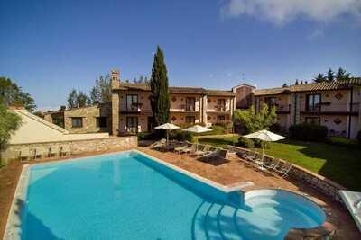 Maison de vacances chic à Collazzone avec bain à remous