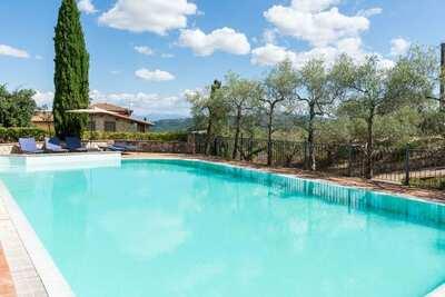 Luxueuse maison de vacances à Collazzone avec piscine