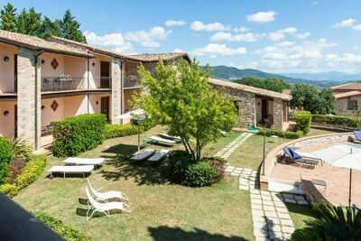 Regal Maison de vacances à Collazzone avec sauna et bar