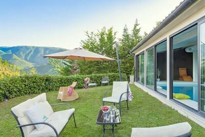 Agréable villa avec piscine à Cagli