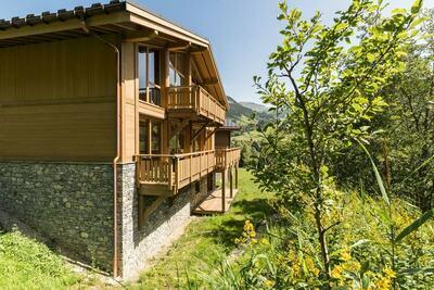 Beau chalet avec cheminée à Megève, 1,5 km des pistes de ski