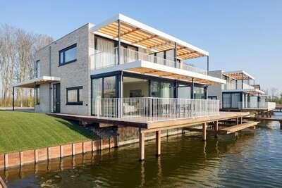 Villa de luxe avec ponton, au Veerse Meer