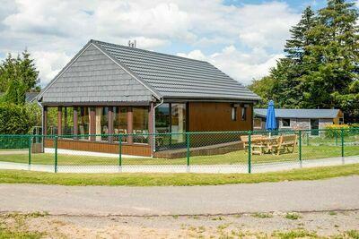 Belle maison de vacances à Fraiture avec sauna infrarouge