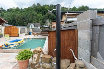 Maison de vacances moderne à Pinsdorf avec jardin