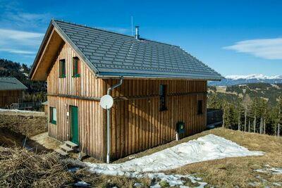 Magnifique chalet à Klippitztörl avec jacuzzi et sauna