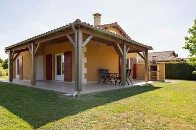 Maison de vacances vue sur le jardin et terrasse aux Forges