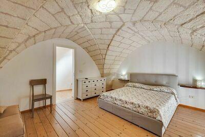 Maison de vacances simple à Muro Leccese avec balcon près de la mer