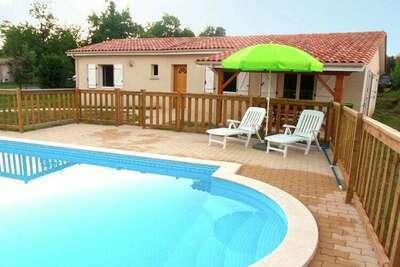 Maison de vacances au rez-de-chaussée avec terrasse couverte