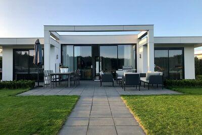 Belle villa pour 6 personnes sur un petit parc à côté d'un golf