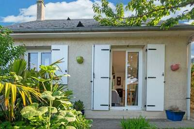 Très jolie maison de vacances à Isigny-sur-Mer avec deux jardins