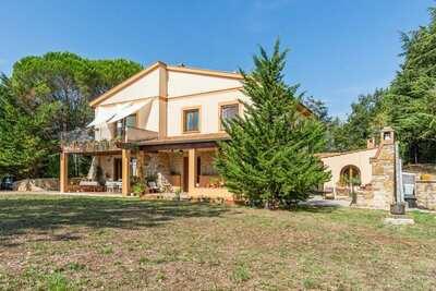 Belle ferme à San Venanzo avec terrasse