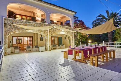Villa spacieuse à Modica avec piscine