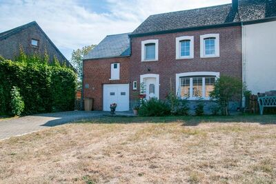 Charmante maison avec jardin, veranda et terrasse à Houyet