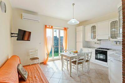 Maison de Vacances Confortable à Niza di Sicilia avec Balcon