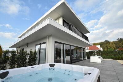 Splendide Villa à Zeewolde avec Jacuzzi